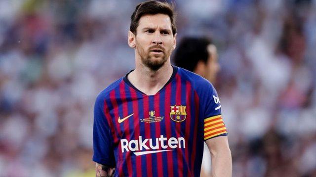 Messi là tiền đạo kì cựu của Barcelona