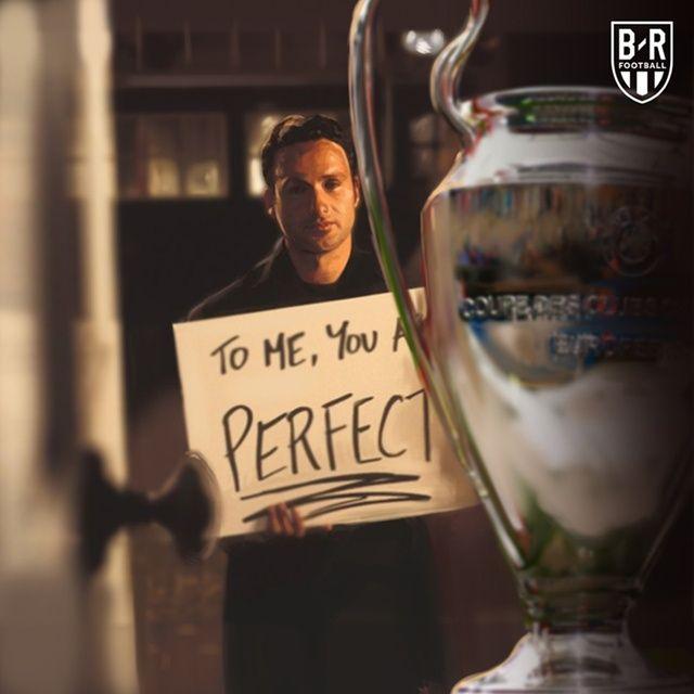 """Bộ phim """"Love Actually"""" cũng được các Fan Champions League chế lại"""